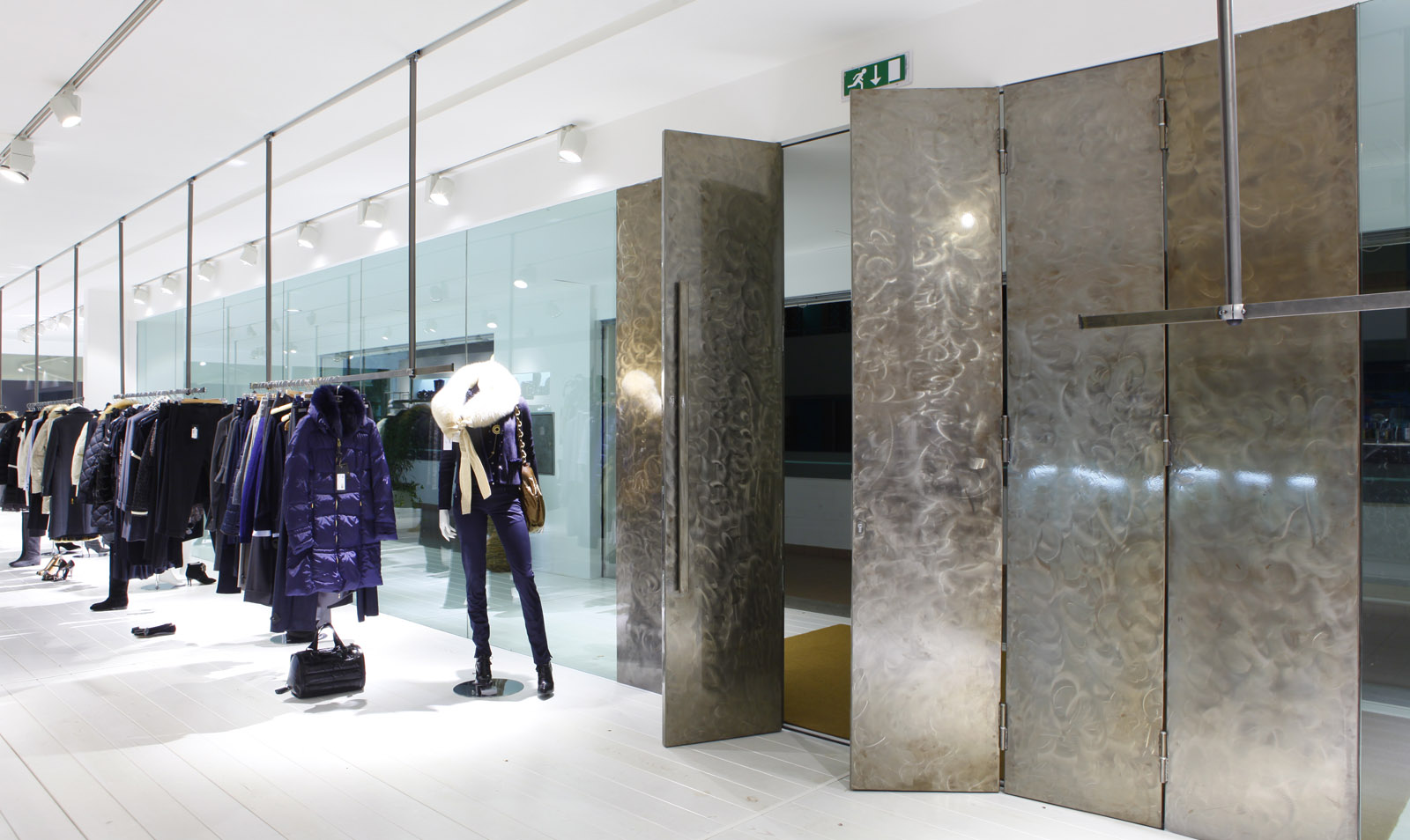 &quot;Blue Basic&quot; Fashion Store, Casalpalocco, Rome, Italy<br />by Luca Peralta Studio & April Milan